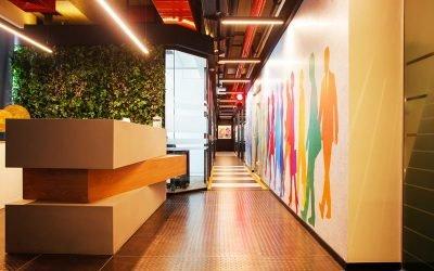עובדים בכיף: עיצוב משרד צבעוני